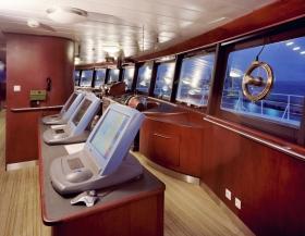 自由風之船的駕駛艙,也是完全數位化,配備有最先進的凱文修恩雷達系統和全景窗戶,提供360度的視野。